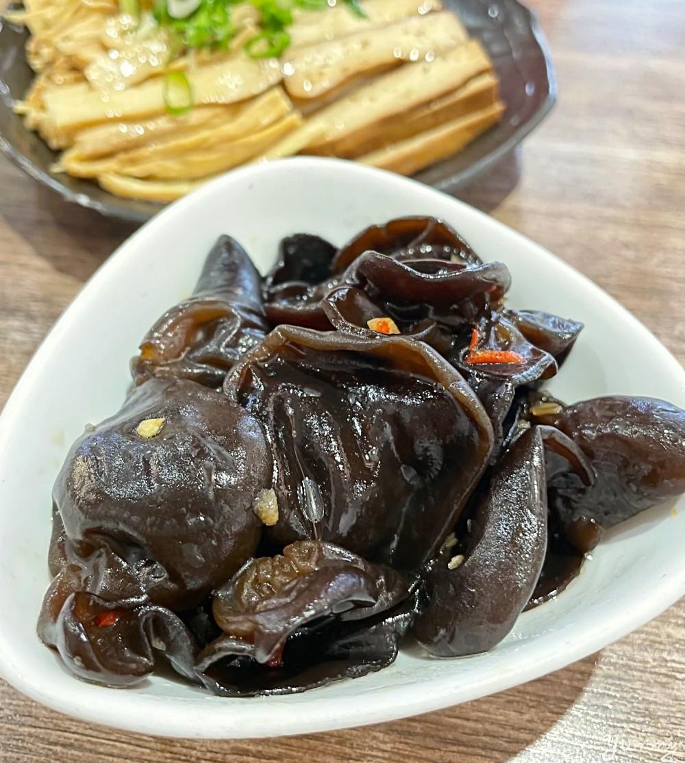 台北大安區美食「老杭家 麵食館」道地川味麵店,麻辣香的令人大呼過癮!