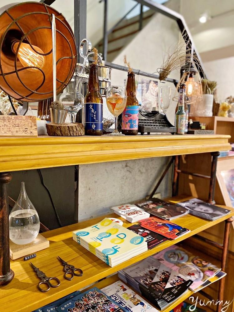 台北咖啡廳推薦~「Arthere Café 上樓看看咖啡」市政府附近的不限時咖啡廳,辦公、聊天都適合的好地方!
