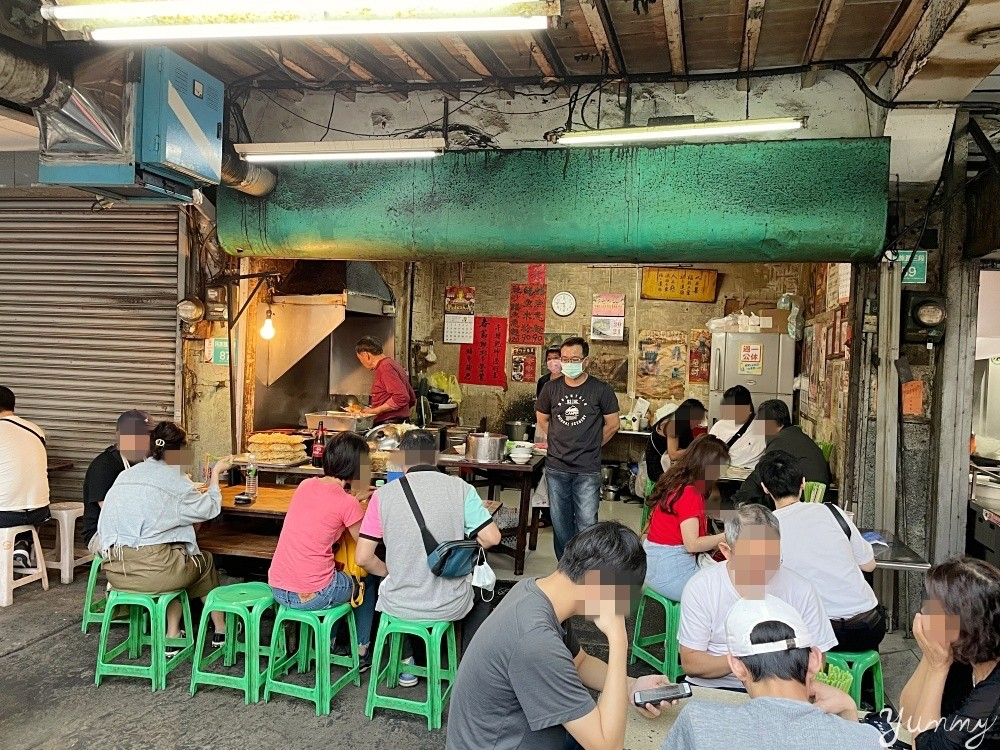 台南中西區美食「阿江鱔魚意麵」台南必吃鱔魚意麵,大火爐炒鱔魚香氣逼人!