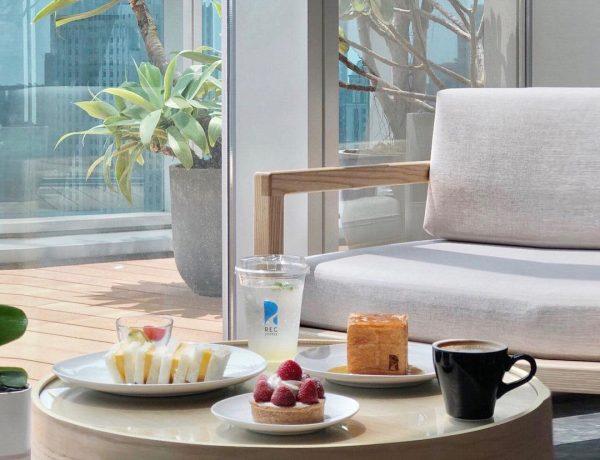 台中必喝咖啡店「REC COFFEE」日本福岡冠軍咖啡首度插旗台灣,在26樓高空景觀下喝一杯咖啡吧!