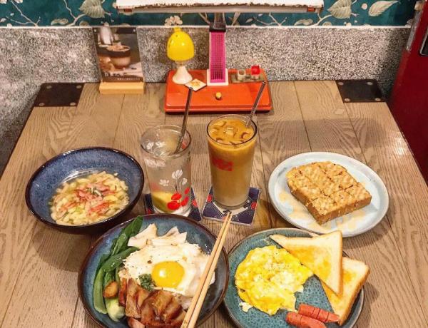 大稻埕美食推薦「窩窩 wooo」充滿年代感的老宅復古港式茶餐廳,帶你一秒穿越60年的青春世代!