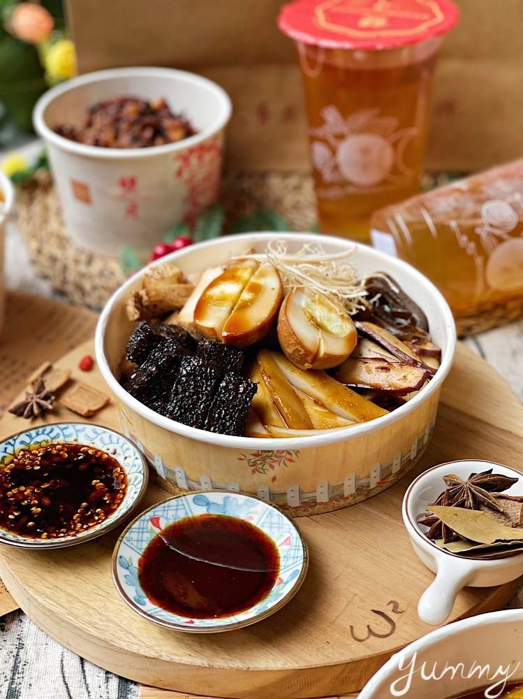 台北美食推薦「雙月食品社」連續3年蟬聯米其林必比登推介的雞湯專賣店!