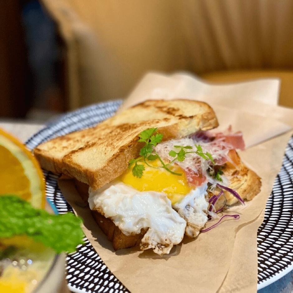 秋紅谷周邊美食推薦 Beta brunch & bistro 貝塔  IG熱門網美餐酒館!華麗歐式風格設計 提供特色早午餐