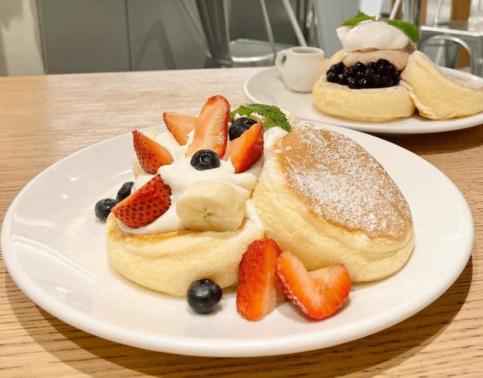 台北中山站甜點 Flipper's 日式舒芙蕾鬆餅,鬆軟、綿密又香甜 限定黑糖珍珠奶茶鬆餅,絕不能錯過!