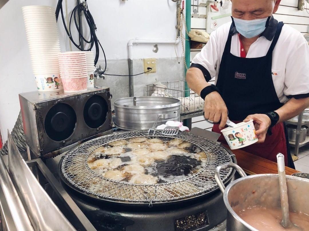 捷運南京復興站美食|阿財彰化肉圓|台北好吃肉圓前三名,超人氣排隊小吃老店!