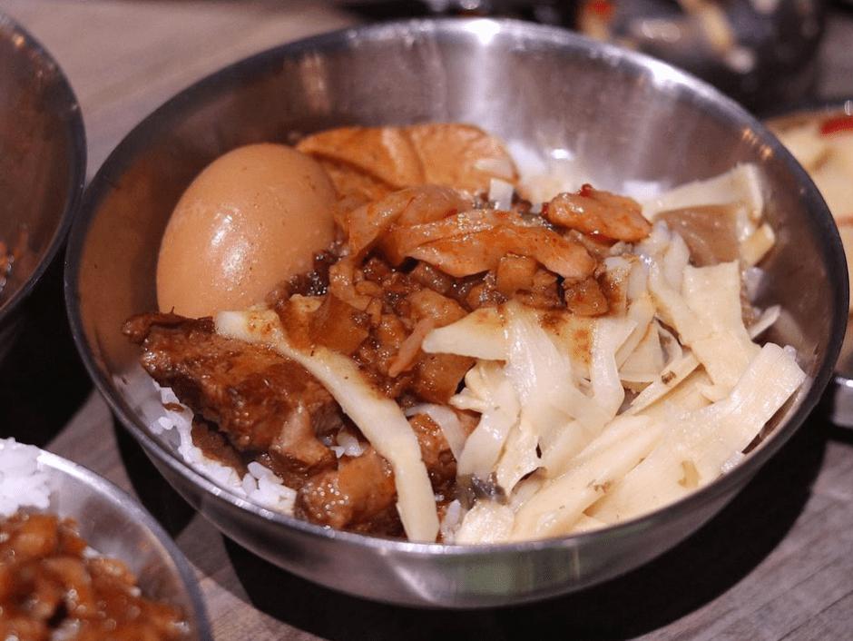 南門市場必吃「捌玖玖滷肉飯」一碗樸實滷肉飯 讓你一吃難忘